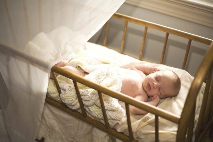 Zoom sur le berceau bébé