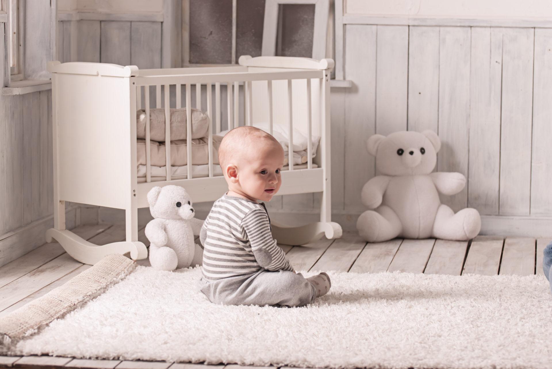 Bien choisir le tapis de chambre de bébé